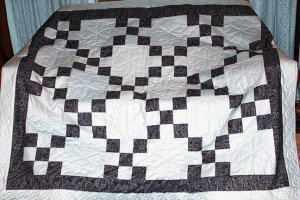 Decorative Geometric Quilt by BARS member Roleen Hutchinson